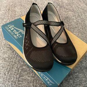 BNIB dansko black haven shoes size 39